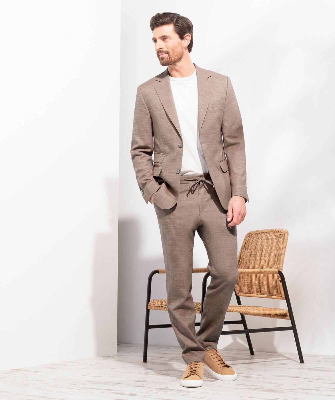 Brauner Komfort-Anzug aus JEBRIC