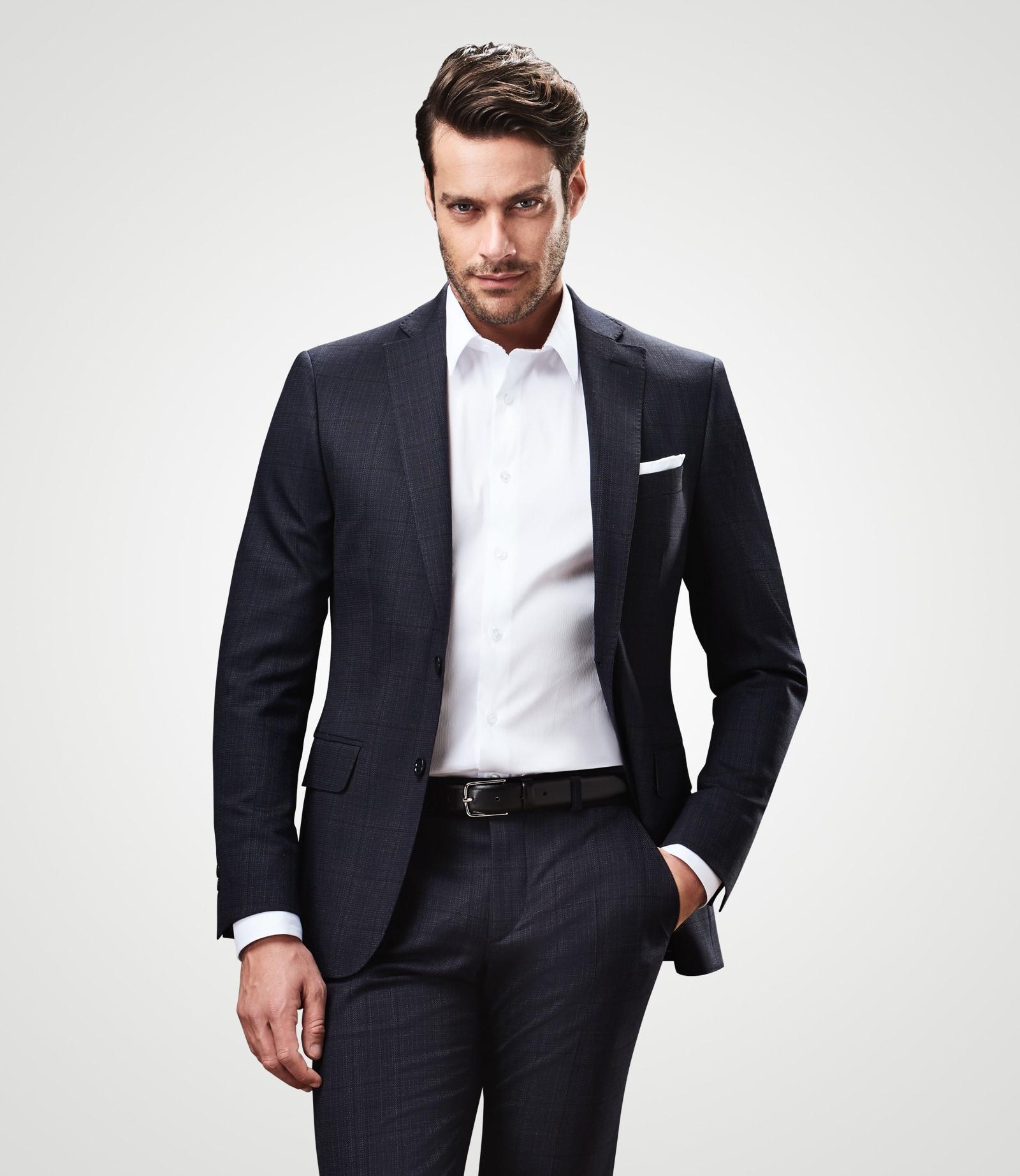 Anzug mit subtilem Fensterkaro