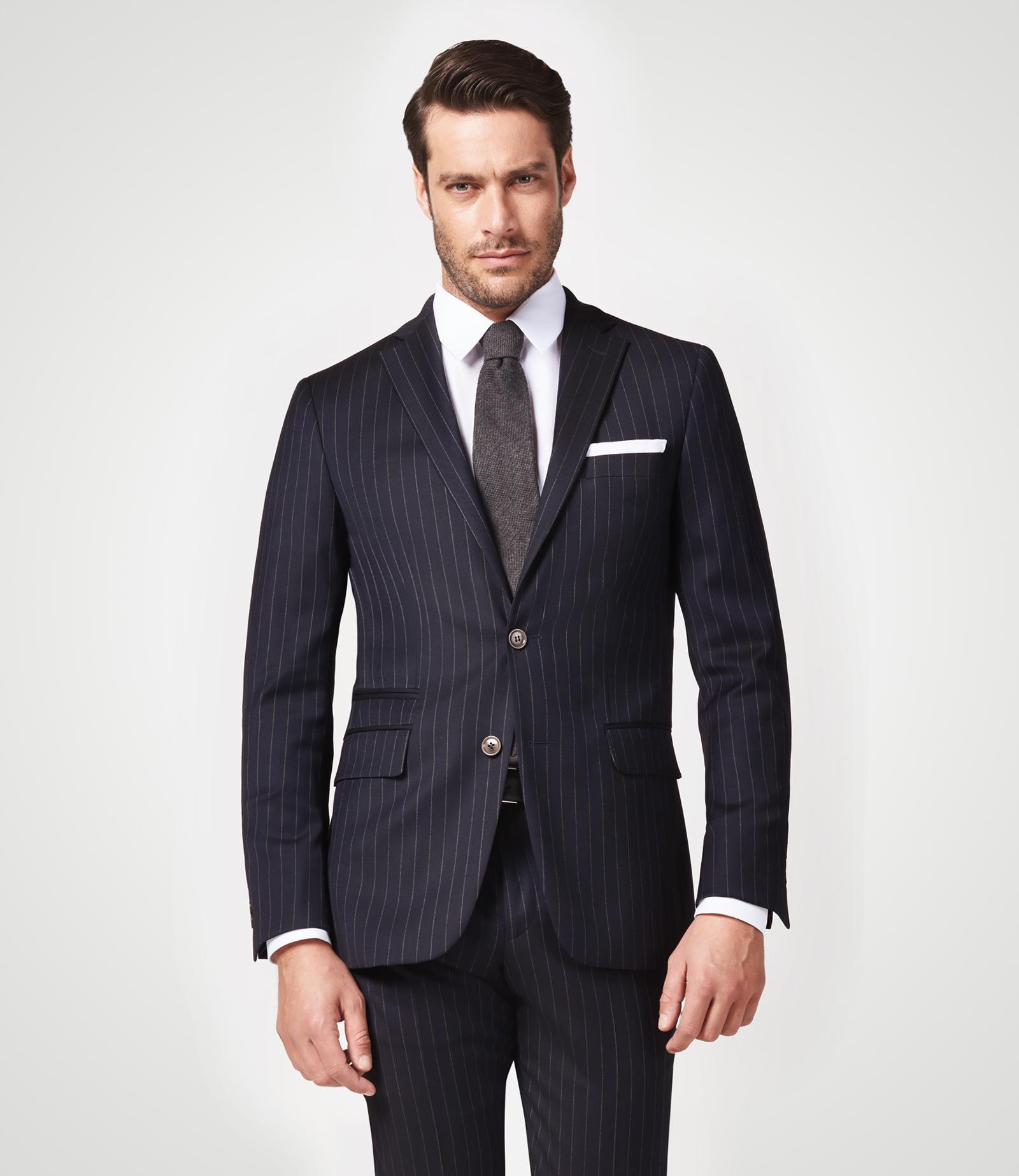 Anzug mit Nadelstreifen und Comfort