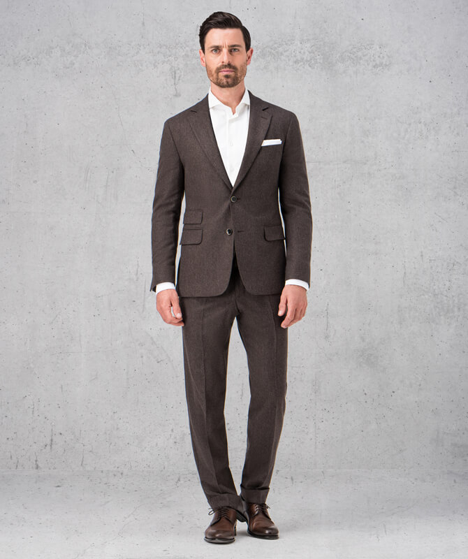 Brauner Retrolook-Anzug