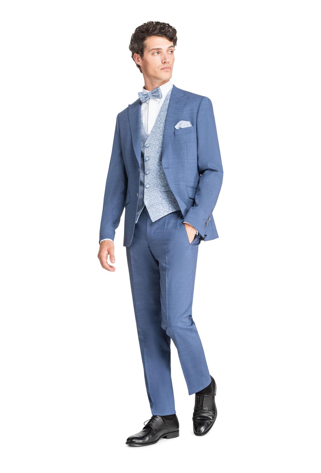 Rauchblauer Komfort-Anzug
