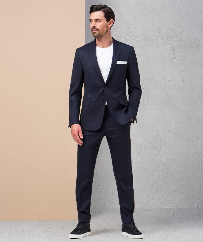 Dunkelblauer Double Stretch-Anzug