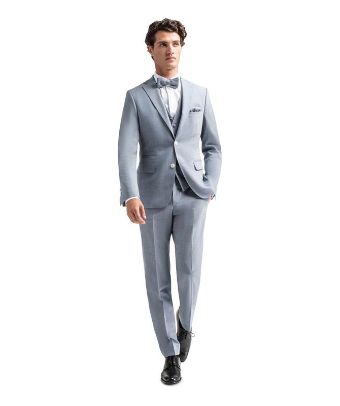 Himmelblauer Komfort-Anzug