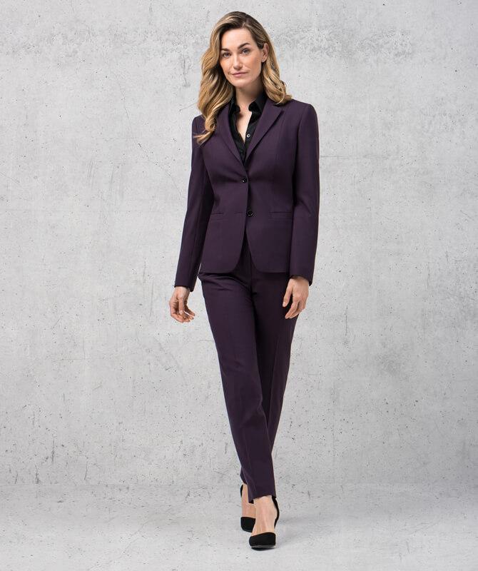 Lilafarbener Double Stretch-Anzug