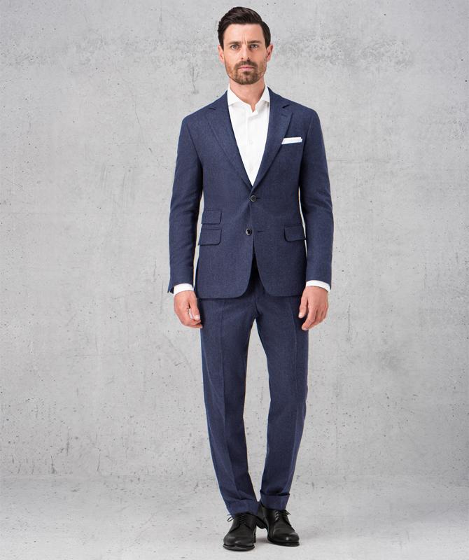 Dunkelblauer Retrolook-Anzug